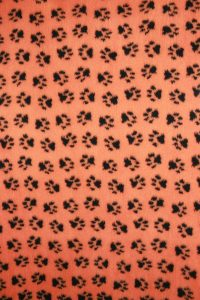 Hundfäll - Orange med Svarta Tassar